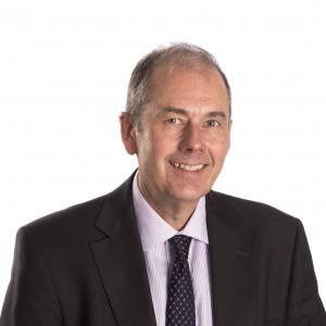 Nigel Hayes, Director de Programa