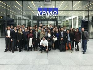 La visita a KMPG motivó a la albanesa Ornela Biberaj a solicitar trabajo en la consultora después de graduarse.
