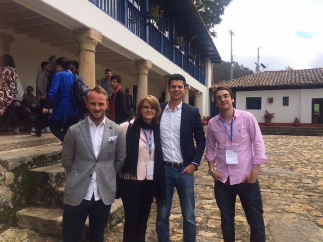 Los participantes del TNC: C. Walker (Australia), D. Petro (Colombia) and J. Schmid (Alemania) con la directora Ella Boniuk.
